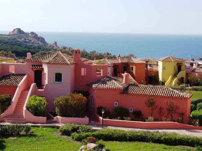 Residence calarossa village isola rossa for Residence in sardegna