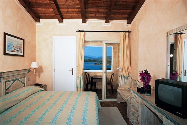 Hotel colonna du golf golfo di cugnana for Hotel mezza pensione bressanone