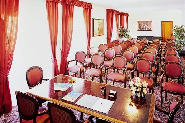 Colonna Palace Hotel Mediterraneo - Image 7