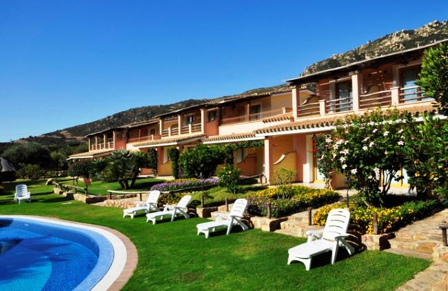 Hotel Su Giganti - Image 2