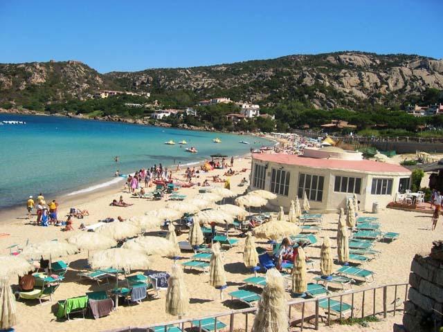 BajaSardinia_spiaggia.jpg