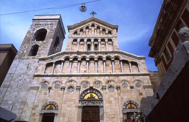 Cagliari_il_duomo.jpg