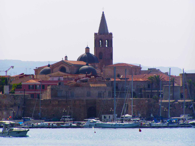 sardegna-alghero-il-porto2.jpg